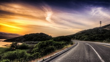 image-scenary-road-in-sunset