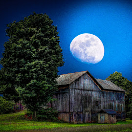 Image -barn in moonlight #2
